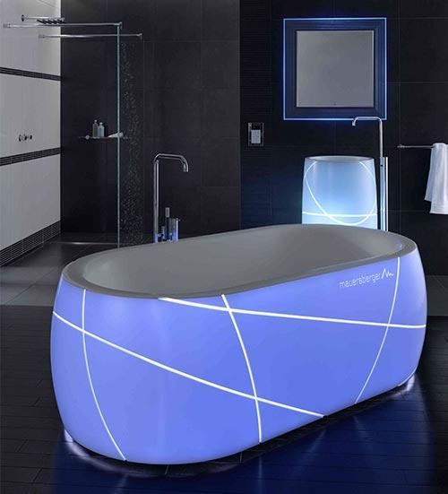 Badewanne mit Neon Licht